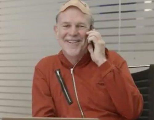 El CEO de Netflix, ladrón de 'La casa de papel', en la promo de la alianza con Movistar+