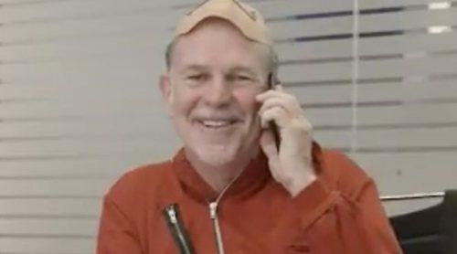 Reed Hastings, CEO de Netflix, como ladrón de 'La casa de papel', en la promo de la alianza con Movistar+