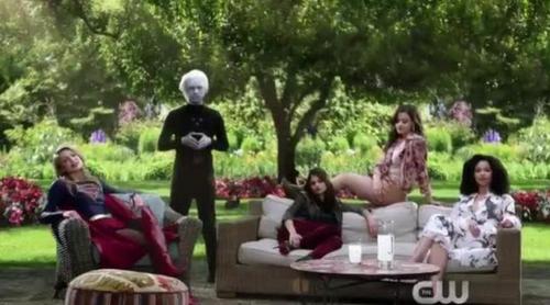 Las protagonistas de 'Charmed' se unen a 'Supergirl' en la nueva promo del reboot de 'Embrujadas'