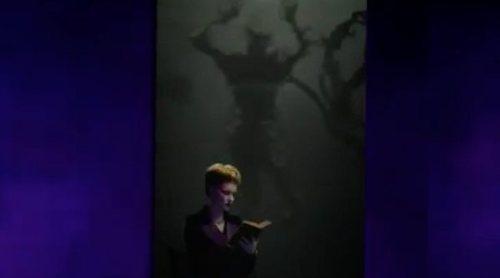 'AHS: Apocalypse': La llegada del diablo no parece perturbar a una lectora en el cuarto teaser