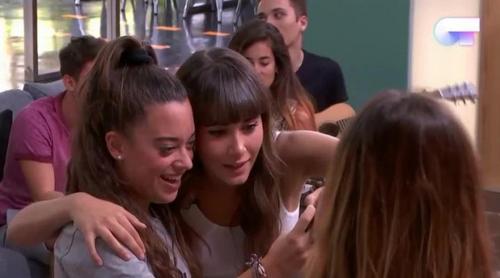 """'OT 2018': Los nuevos concursantes cantan """"Teléfono"""" a Aitana durante su visita a la Academia"""