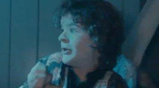 Los protagonistas de 'Stranger Things' se adentran en la casa del terror de la serie