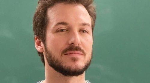 """Jorge Suquet ('Élite'): """"Este profesor viene de un lugar distinto al de sus alumnos y a veces se la lían"""""""