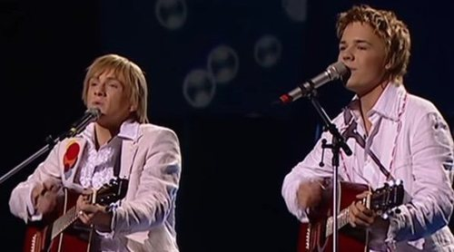 "Walter & Kazha, representantes de Letonia, interpretan ""The War Is Not Over"" en Eurovision 2005"