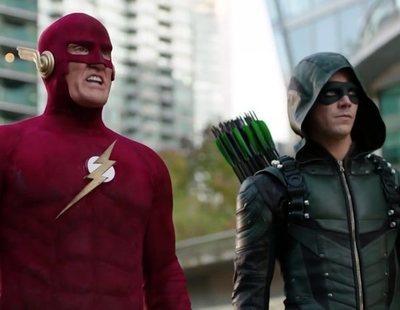 """Tráiler de """"Elseworlds"""", el nuevo crossover en el que los personajes del Arrowverso intercambian identidades"""