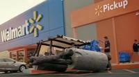 Espectacular anuncio de Walmart durante los Globos de Oro que repasa a los coches más icónicos de la ficción