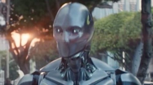 Anuncio de Michelob Ultra para la Super Bowl 2019, protagonizado por robots y Maluma