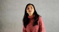 """Paula Gallego ('Cuéntame cómo pasó') muestra su talento musical cantando """"La Bikina"""""""