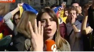 """Boicotean una conexión de Antena 3 Noticias en Barcelona al grito de """"prensa española, manipuladora"""""""