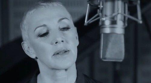 'Cuéntame cómo pasó': Ana Torroja canta la nueva versión de cabecera con imágenes inéditas de la temporada 20