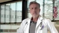 Emilio Aragón vuelve a ponerse la bata de 'Médico de familia' en la promo de 'Salvados'