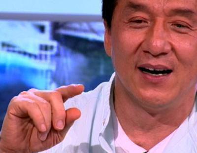 """Jackie Chan """"demuestra"""" que sabe hablar español"""