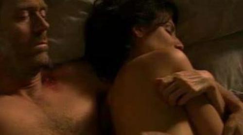 House y Cuddy hablan en la cama desnudos en la séptima temporada de 'House'