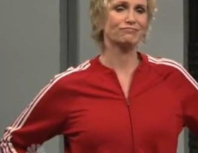 Jane Lynch parodia 'Glee' en 'Saturday Night Live'