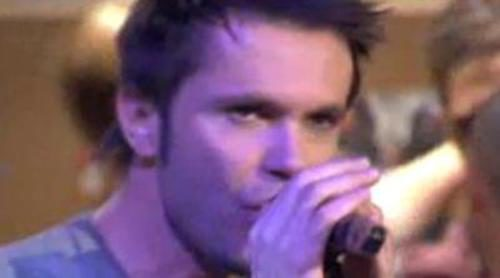 """Robert Ramírez canta su nuevo tema """"I'm a number"""" en 'Tiramillas'"""