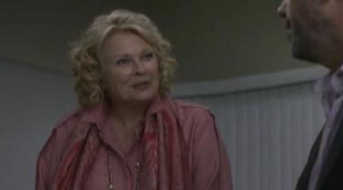 House conoce a la madre de Cuddy
