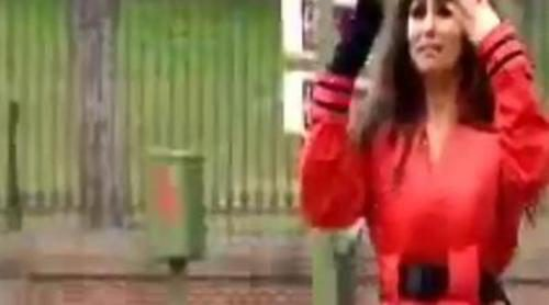 Cristina Pedroche atacada en el culo por un ratón