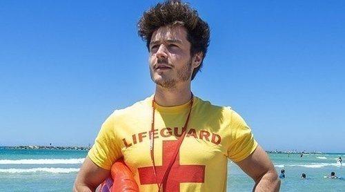 Miki Núñez se hace pasar por un vigilante de la playa y ayuda a buscar a Madonna para Eurovisión 2019