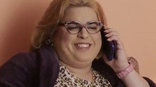 Paquita Salas recibe la invitación de boda de Belén Esteban en la promo de la tercera temporada