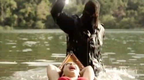 """'American Horror Story: 1984' revive """"Viernes 13"""" inaugurando el sangriento """"Camp Redwood"""" en este teaser"""