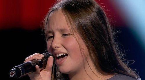 Laura, de 'La Voz Kids', emociona a Vanesa Martín cantando