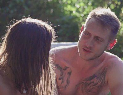 'Donde menos te lo esperas': La vida nudista y crudivegana de Sandra pone prueba a los pretendientes