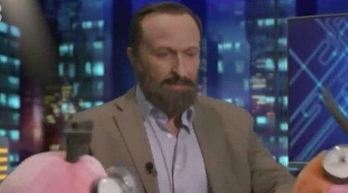 Santiago Abascal se lía a tiros con Trancas y Barrancas en 'El hormiguero' en esta parodia de 'Polònia'
