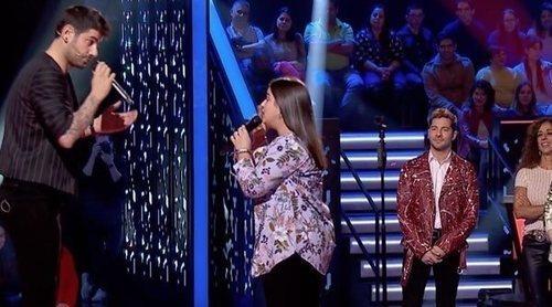 """Paola Casas canta a capela """"Con solo una sonrisa"""" con Melendi y deja impresionado al jurado en 'La Voz Kids'"""