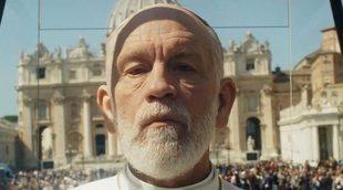 'The New Pope': John Malkovich lleva la fiesta al Vaticano en este nuevo tráiler