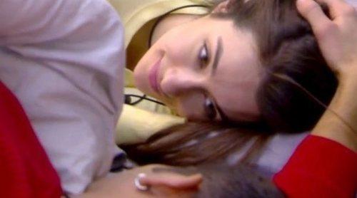 'Diario de GH VIP 7': ¿Ha pasado algo entre Adara y Gianmarco debajo de las sábanas?