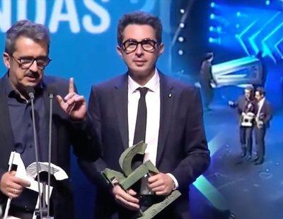 Buenafuente y Berto se enrollan tanto en el discurso de su Premio Ondas que empiezan a desmontar el escenario