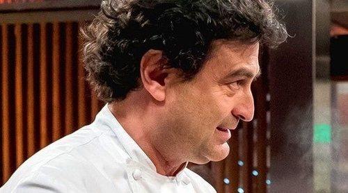 'MasterChef': Una candidata de la octava edición se lanza en columpio a Pepe Rodríguez en medio de las cocinas