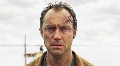 'El tercer día' lleva a Jude Law y Naomie Harris a una tétrica isla en este tráiler