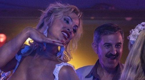 """La Veneno conoce a Cicciolina en la nueva promo del sexto episodio de 'Veneno': """"En España la famosa soy yo"""""""