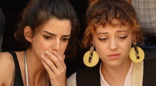 """Clara Lago ('El vecino 2'): """"Todos son muy niños pequeños, porque Lola es igual de inmadura y torpe que Javi"""""""