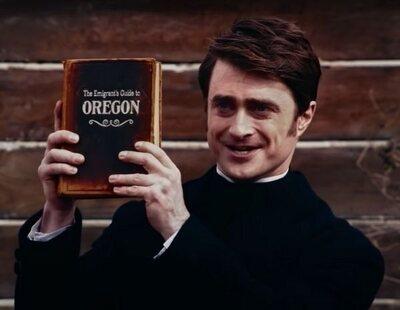 El tráiler de 'Miracle Workers: Oregon Trail' muestra al Daniel Radcliffe más devoto
