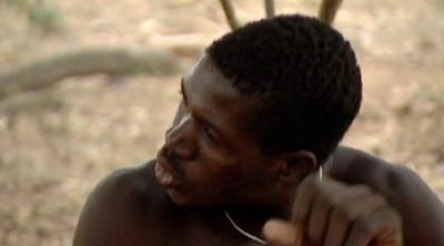 Un indígena de 'Perdidos en la tribu' quiere sexo con Eneritz, la novia de Billy