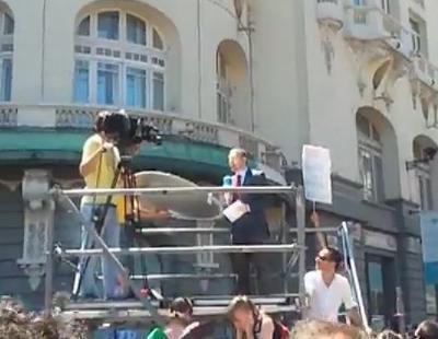 """Los """"indignados"""" abuchean a Telecinco en la manifestación del 19J"""