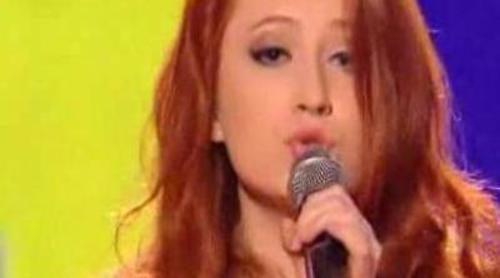 """Janet Devlin se olvida la letra cantando """"MMMBop"""" en 'The X Factor'"""
