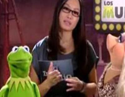 Usun Yoon entrevista a los Muppets Peggy y Gustavo en 'El intermedio'