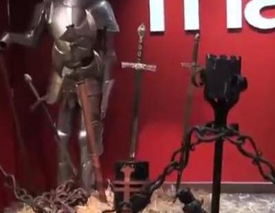 Los fans se agolpan en la puerta de la FNAC para conseguir el DVD de 'Juego de tronos'