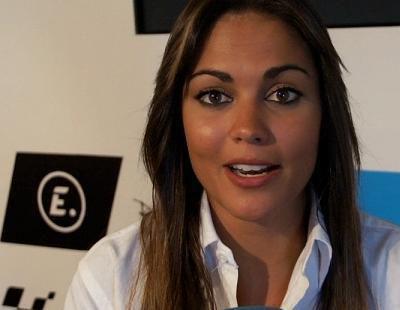 """Lara Álvarez: """"Me encantaría que la gente viera las historias personales de los pilotos y se enganchara a las motos"""""""