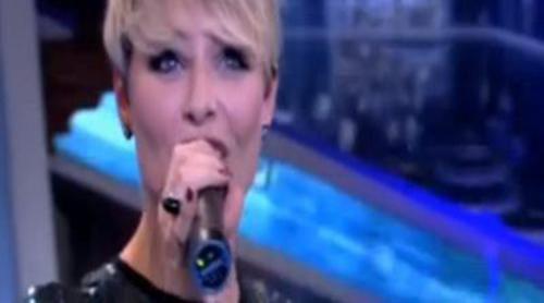 Concierto de Soraya Arnelas durante el corte de publicidad de 'El hormiguero'