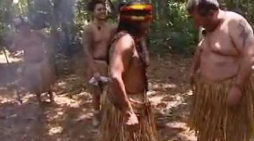 Los Merino se visten por primera vez con ropa tribal en 'Perdidos en la tribu'