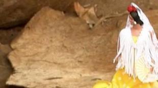 El jefe suri intenta averiguar para qué sirve la flamenca en 'Perdidos en la tribu'