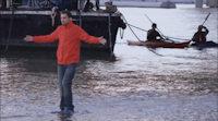 'Dynamo, el mago' camina sobre las aguas en la nueva promo de su programa en Discovery Max