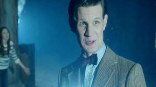'Doctor Who' encuentra dinosaurios en una nave espacial en el trailer de su séptima temporada