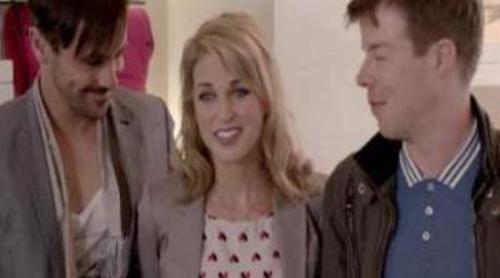 Alice, Mitch y Ritchie explican su peculiar situación tras hacer un trío en 'Threesome'