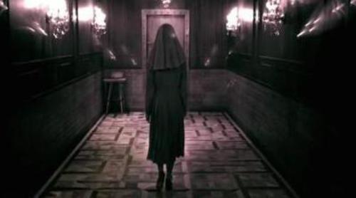 Una monja llama a la puerta de un enfermo del psiquiátrico de 'American Horror Story: Asylum'