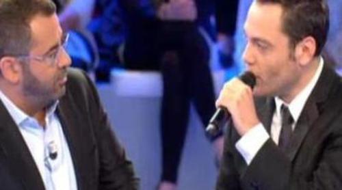 Jorge Javier Vázquez habla con Tiziano Ferro de su novio y sus centímetros